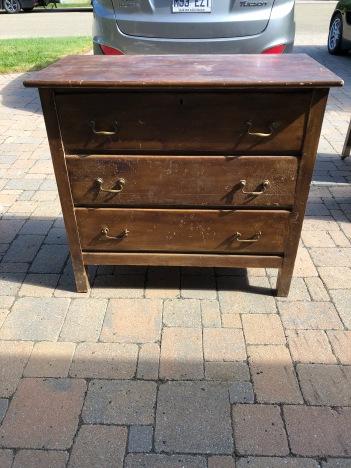 168 Commode antique 3 tiroirs