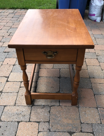200 Petite table appoint face