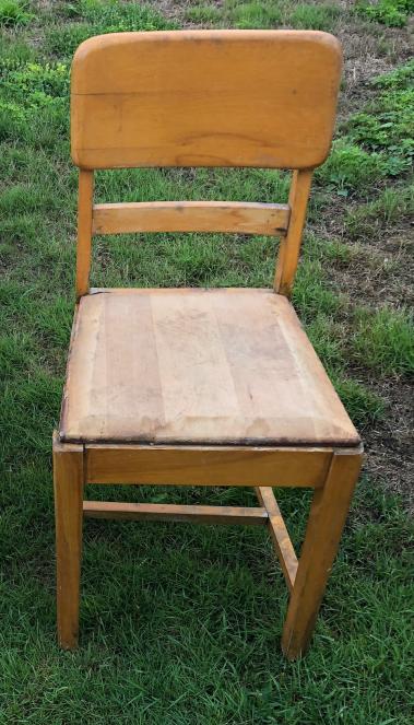 194 Chaise bois devant